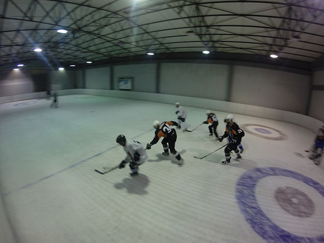 Ice hockey friendly game greece : Ice n skate vs Athens Warriors